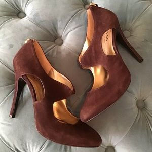 GUESS BY MARCIANO brown suede coronne heels sexy 7